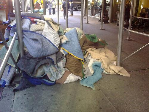 homeless-blankets-Scurzuzu-Flickr